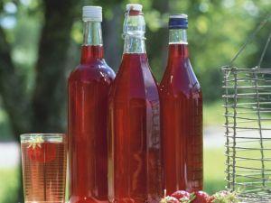 5 leckere Sirup-Kreationen, die jede Sommer-Erfrischung verüßen