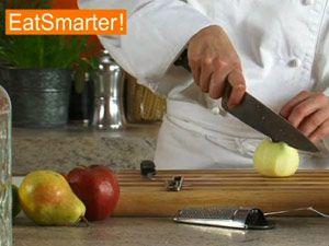 Apfel schälen und schneiden
