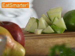 Apfel zum Entsaften vorbereiten
