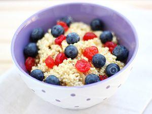Breakfast-Quinoa mit Beeren