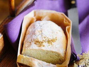Brot mit Holunder