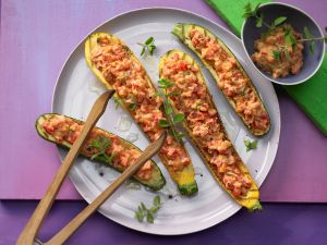 Gegrillte Zucchini mit Topping
