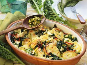 Grünkohlauflauf mit Mozzarella, Pistazien und Chili