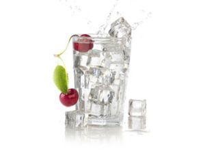 Kirschen und Wasser