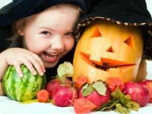 Halloween: Kinderspaß mit Kürbis
