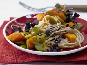 Kürbissauce zu Vollkorn-Spaghetti