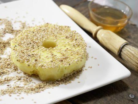 Ananas im Sesammantel mit Eis: Zubereitungsschritt 3