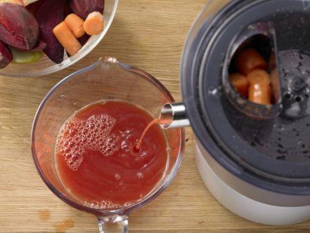 Apfel-Gemüse-Saft: Zubereitungsschritt 3