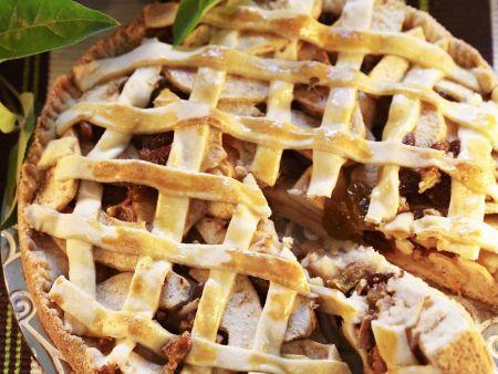 Apfel-Ingwer-Kuchen mit Marzipangitter