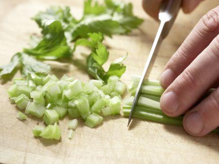 Apfel-Sellerie-Brotaufstrich: Zubereitungsschritt 2