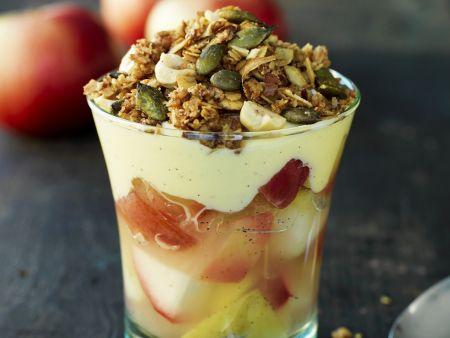 Apfel-Trifle mit Joghurt und Kürbiskernen