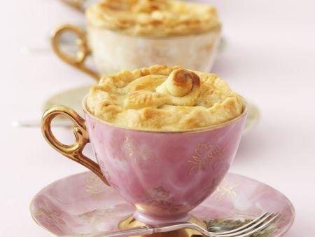 Apfelkuchen in der Tasse