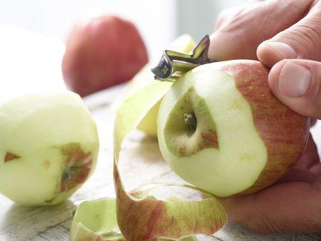 Apfelkuchen mit Sauerrahmguss: Zubereitungsschritt 4