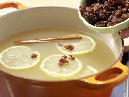 Apfelpunsch mit Rosinen: Zubereitungsschritt 4