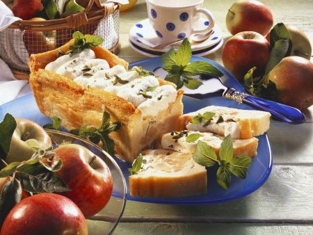 Apfelterrine mit Zimtsoße