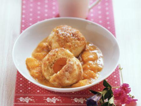 Aprikosenknödel mit Kompott