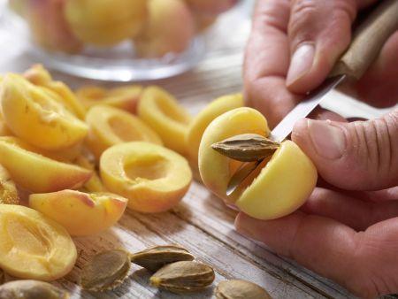 Aprikosenküchle: Zubereitungsschritt 1