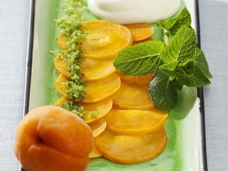 Aprikosenscheiben mit Joghurtcreme
