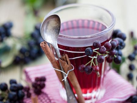 Aronia-Fruchtpunsch