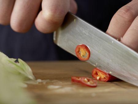 Asiatische Kohlsuppe: Zubereitungsschritt 4