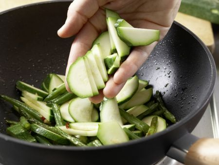 Asiatische Nudeln: Zubereitungsschritt 9
