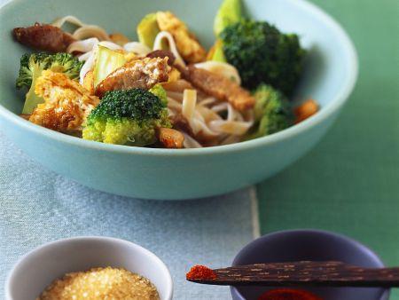 Rezept: Asiatische Nudelpfanne mit Schweinefleisch