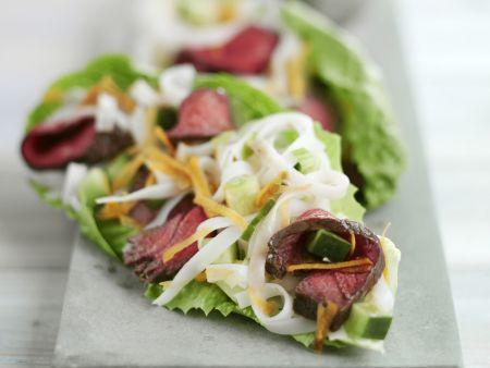 Rezept: Asiatischer Rindfleischsalat mit Reisnudeln