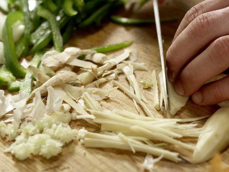 Asiatisches Rindfleisch aus dem Wok: Zubereitungsschritt 4