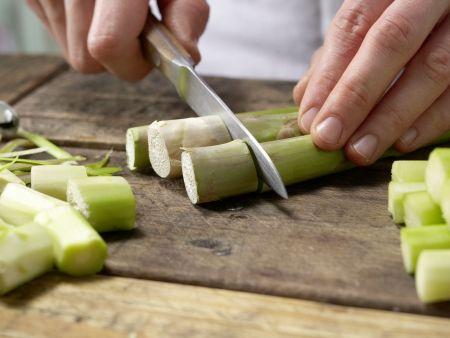 Asiatisches Spargel-Gemüse aus dem Wok: Zubereitungsschritt 1