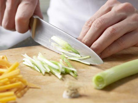 Asiatisches Spargel-Gemüse aus dem Wok: Zubereitungsschritt 3