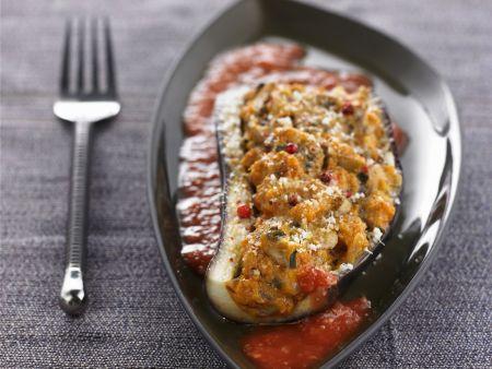 Aubergine mit Füllung aus Champignons, Parmesan und Kräutern