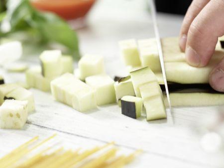 Auberginen-Spaghetti: Zubereitungsschritt 1