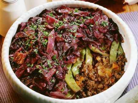 Rezept: Auflauf mit Hackfleisch, grünen Bohnen und Rotkraut