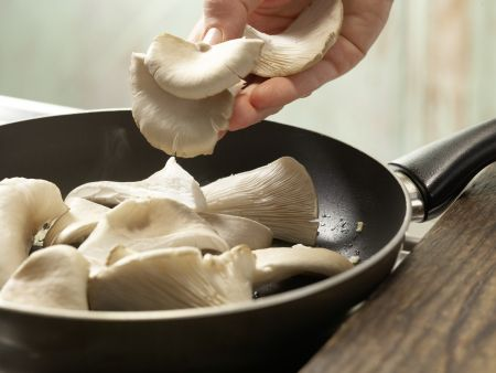 Austernpilze mit Rucola: Zubereitungsschritt 4