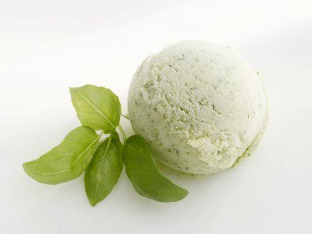 Avocado-Basilikum-Eis