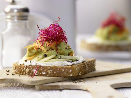 Avocado-Frischkäse-Brot