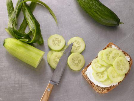 Avocado-Frischkäse-Brot: Zubereitungsschritt 4