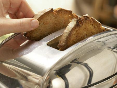 Avocado-Toast mit Koriander: Zubereitungsschritt 6