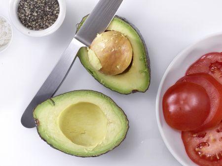 Avocado-Tomaten-Salat: Zubereitungsschritt 3