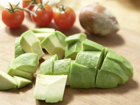 Avocadocreme auf Vollkornbrot: Zubereitungsschritt 2