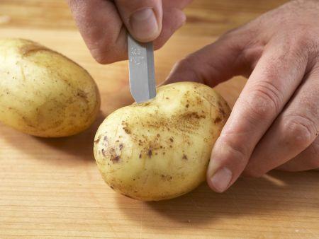Backkartoffel mit Mangoldgemüse: Zubereitungsschritt 1