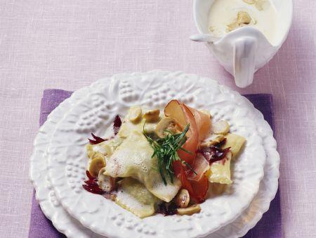 Bärlauch-Maultaschen mit Zwiebeln und Schinken
