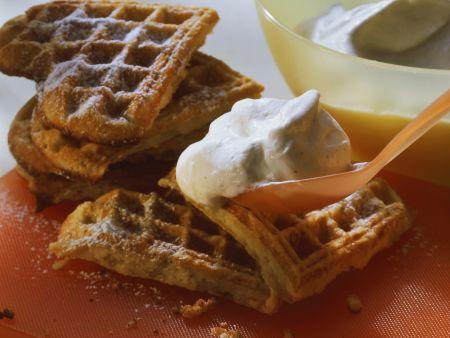 Rezept: Bananen-Waffeln und Sahne mit Vanille