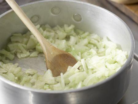 Bandnudeln mit Fenchel-Kapern-Sauce: Zubereitungsschritt 4