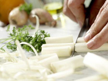 Bandnudeln mit weißem Spargel: Zubereitungsschritt 1