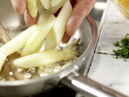 Bandnudeln mit weißem Spargel: Zubereitungsschritt 5