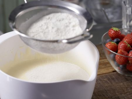 Beeren-Nektarinen-Torte: Zubereitungsschritt 2