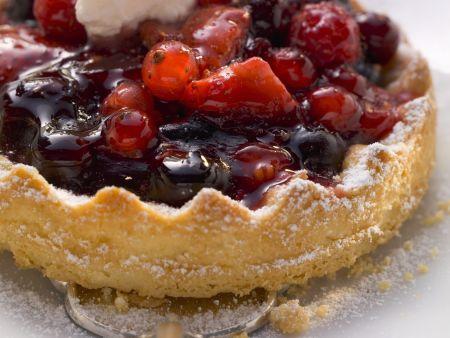 Beerenkuchen mit Gewürz-Kaffee-Sahne