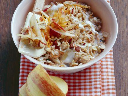 Bircher Müsli mit Äpfeln und Möhren