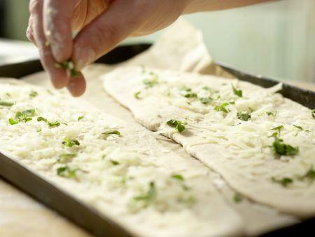Birnen-Pizza mit Bündner Fleisch: Zubereitungsschritt 6